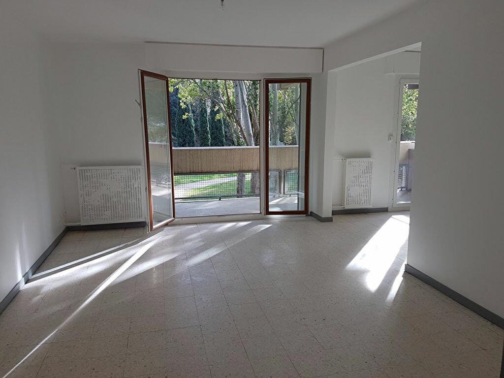 Location Appartement 5 pièces à Marseille 12 - vignette-1