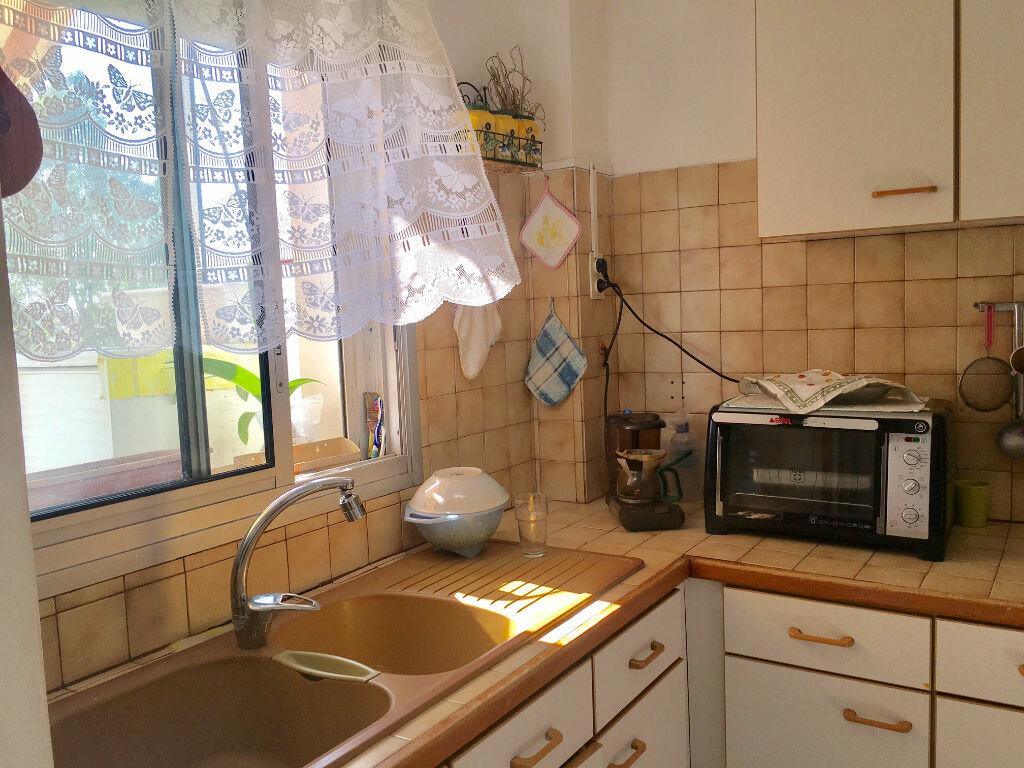 Achat Appartement 3 pièces à Marseille 8 - vignette-4