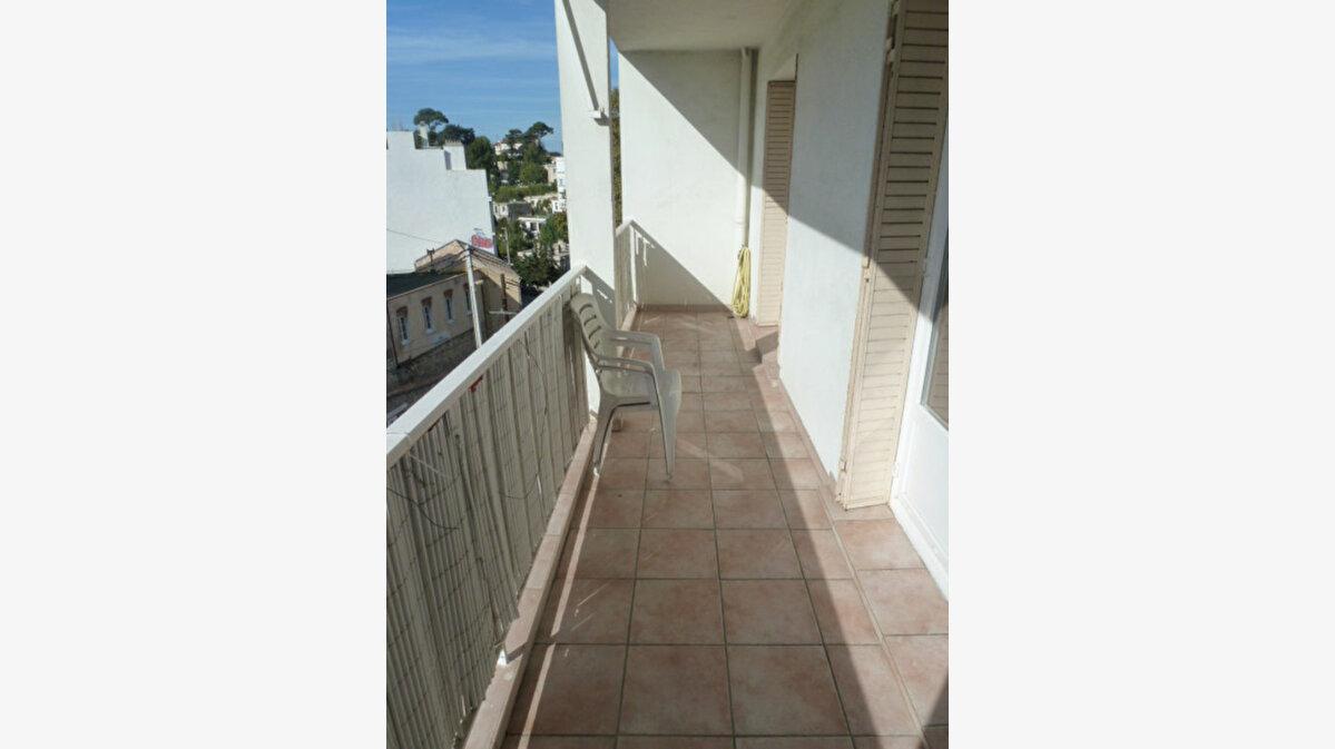 Location Appartement 3 pièces à Marseille 7 - vignette-1