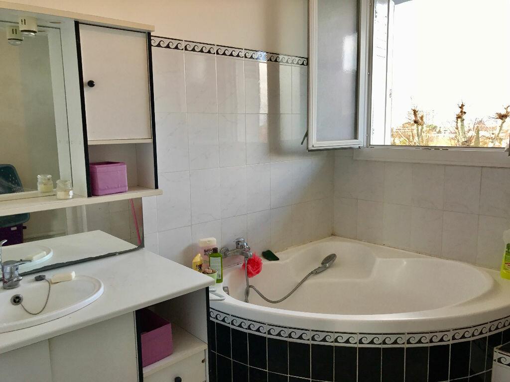Achat Appartement 2 pièces à Marseille 9 - vignette-3