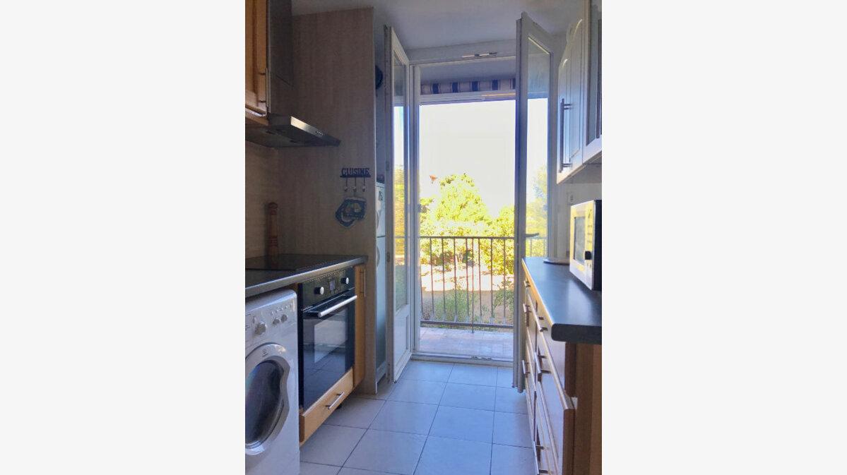 Achat Appartement 3 pièces à Marseille 9 - vignette-3