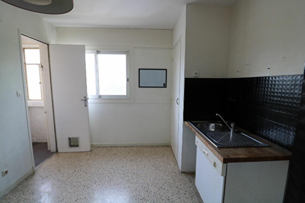 Achat Appartement 5 pièces à Marseille 9 - vignette-5