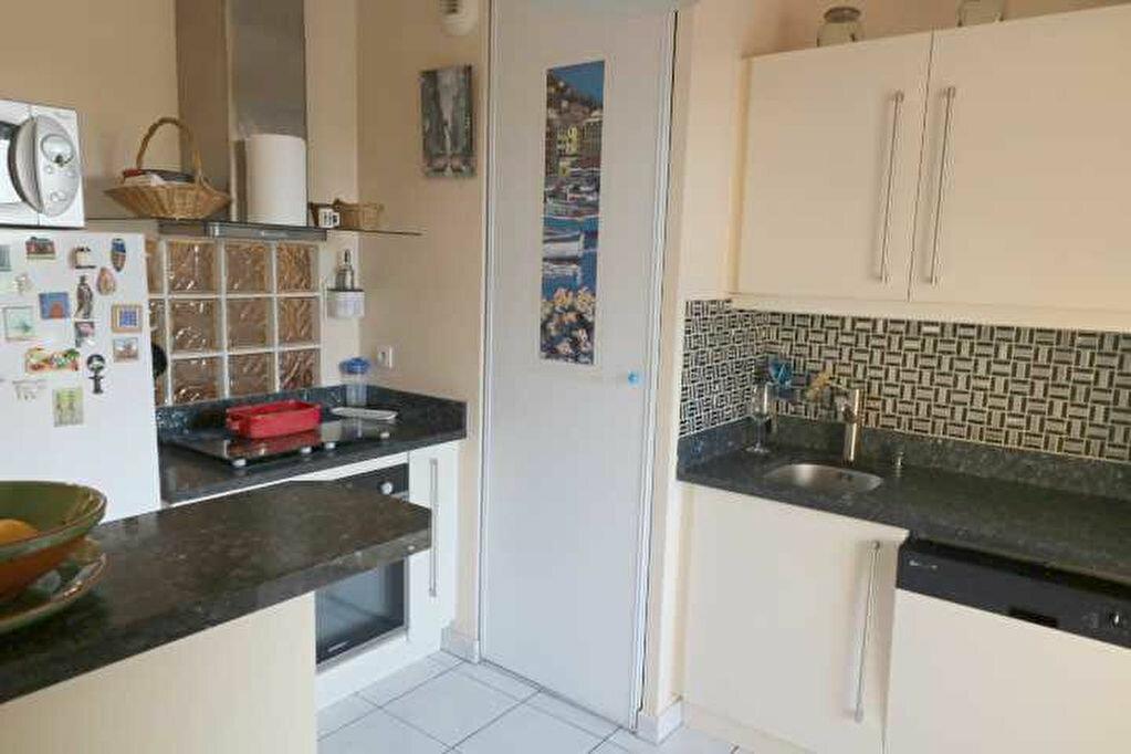Achat Appartement 4 pièces à Marseille 8 - vignette-5