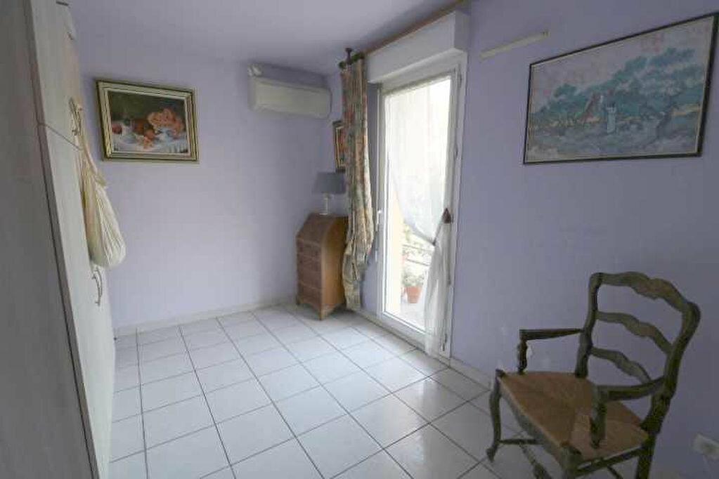 Achat Appartement 4 pièces à Marseille 8 - vignette-7