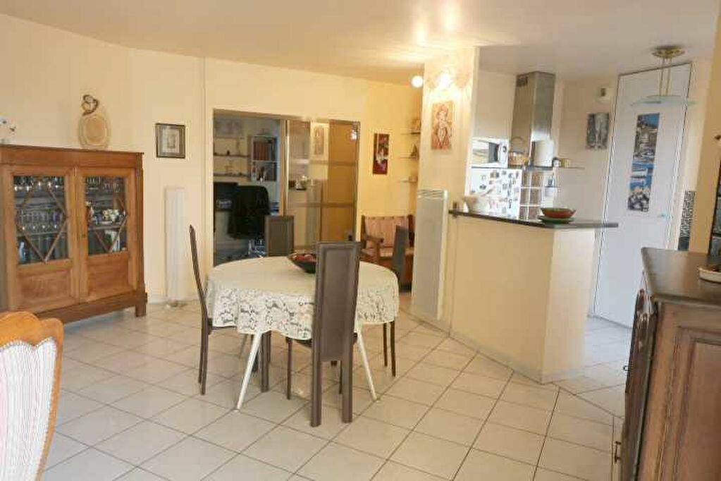 Achat Appartement 4 pièces à Marseille 8 - vignette-10
