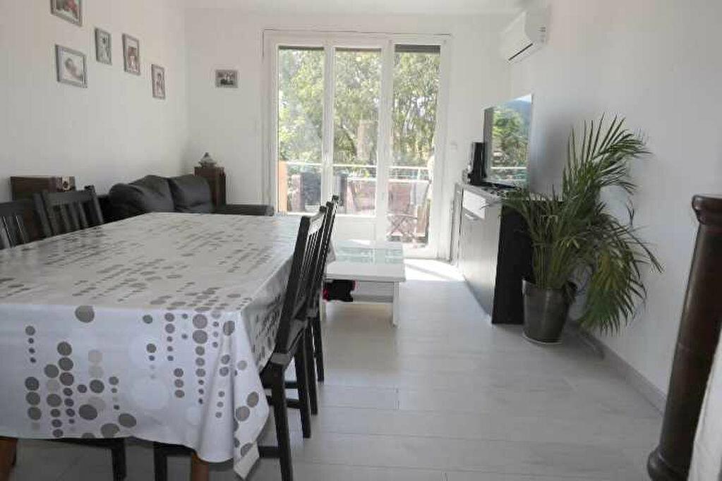 Achat Appartement 3 pièces à Marseille 8 - vignette-1