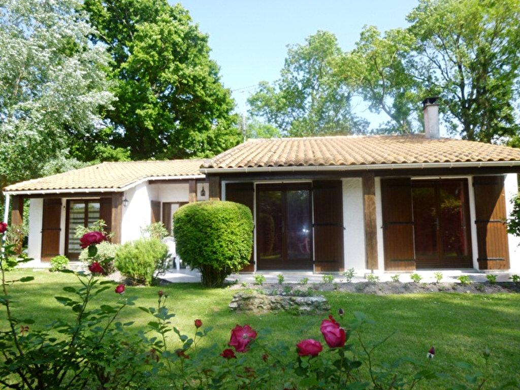 Achat Maison 5 pièces à Saint-Sulpice-de-Royan - vignette-1