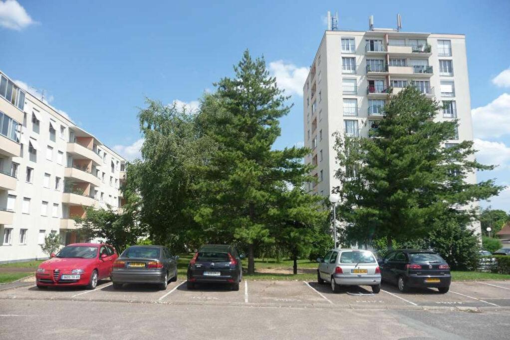 Location Stationnement  à Ardon - vignette-1