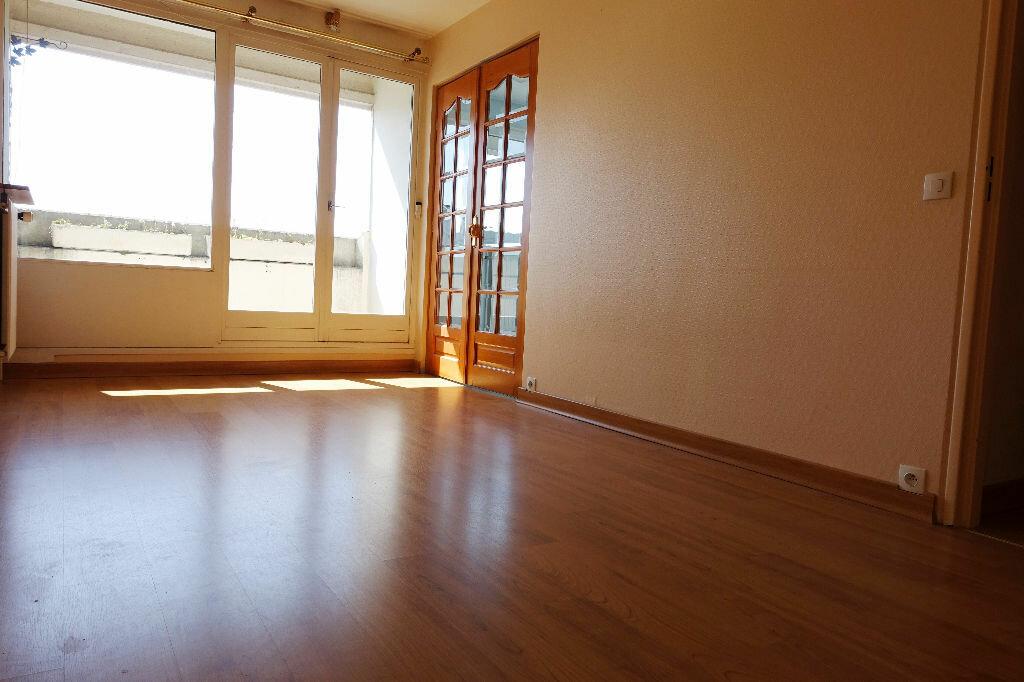 Location Appartement 1 pièce à Olivet - vignette-1