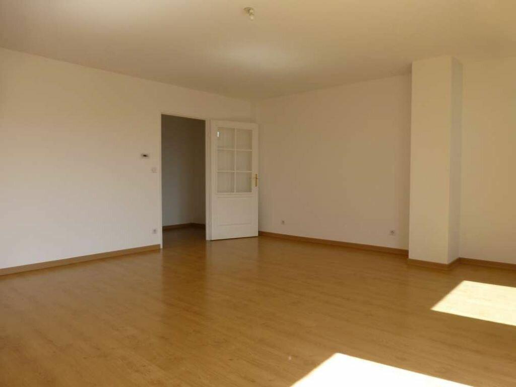 Location Appartement 4 pièces à Orléans - vignette-1