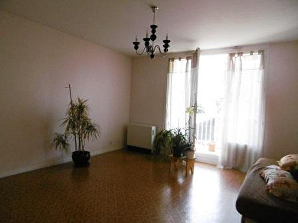 Achat Appartement 3 pièces à Orléans - vignette-3