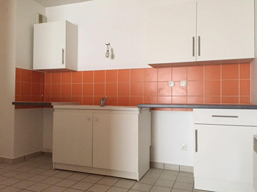 Location Appartement 3 pièces à Orléans - vignette-5