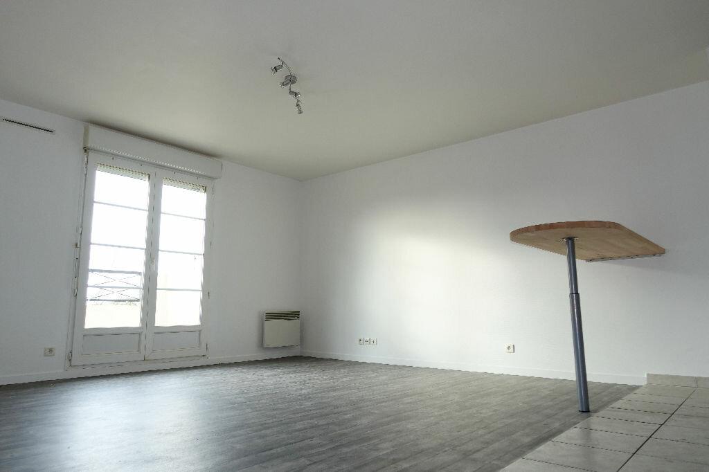 Achat Appartement 3 pièces à Corbeil-Essonnes - vignette-1
