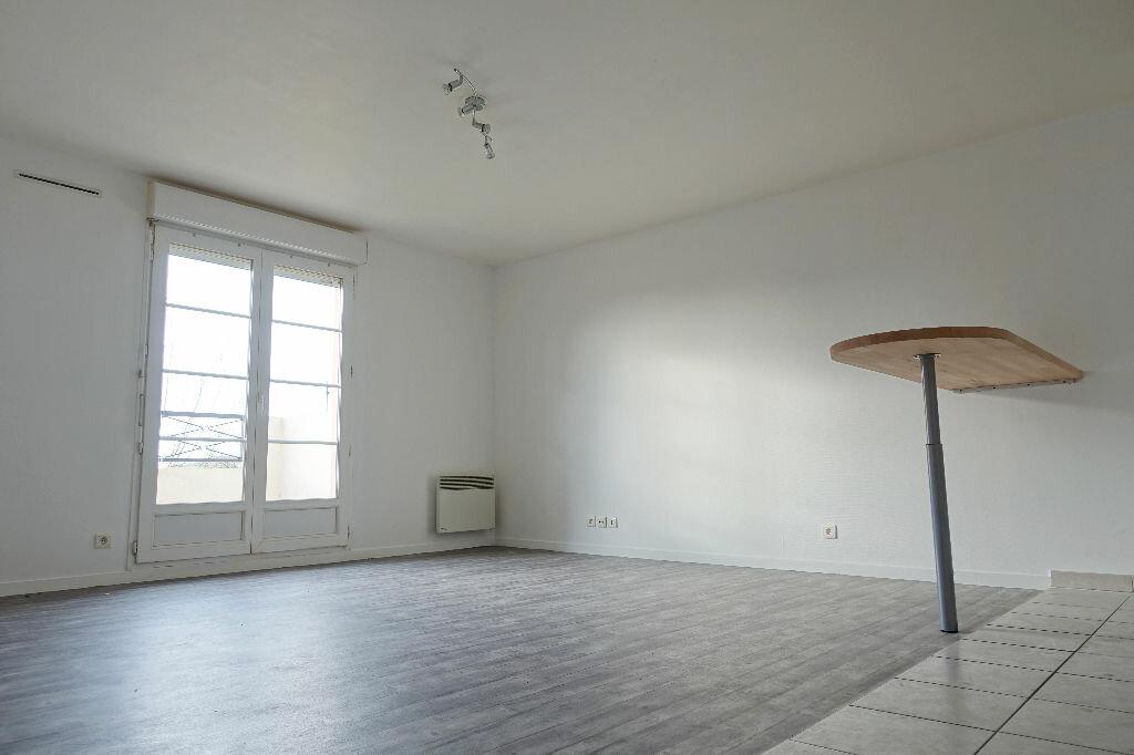 Achat Appartement 3 pièces à Corbeil-Essonnes - vignette-9