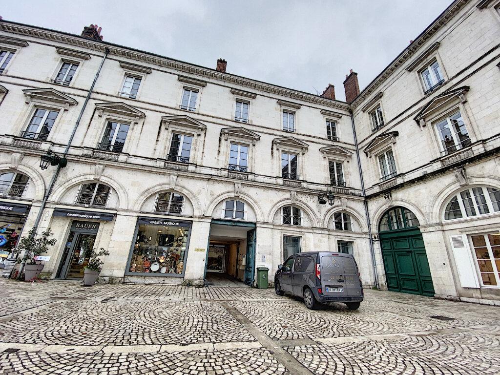 Location Local commercial  à Orléans - vignette-9