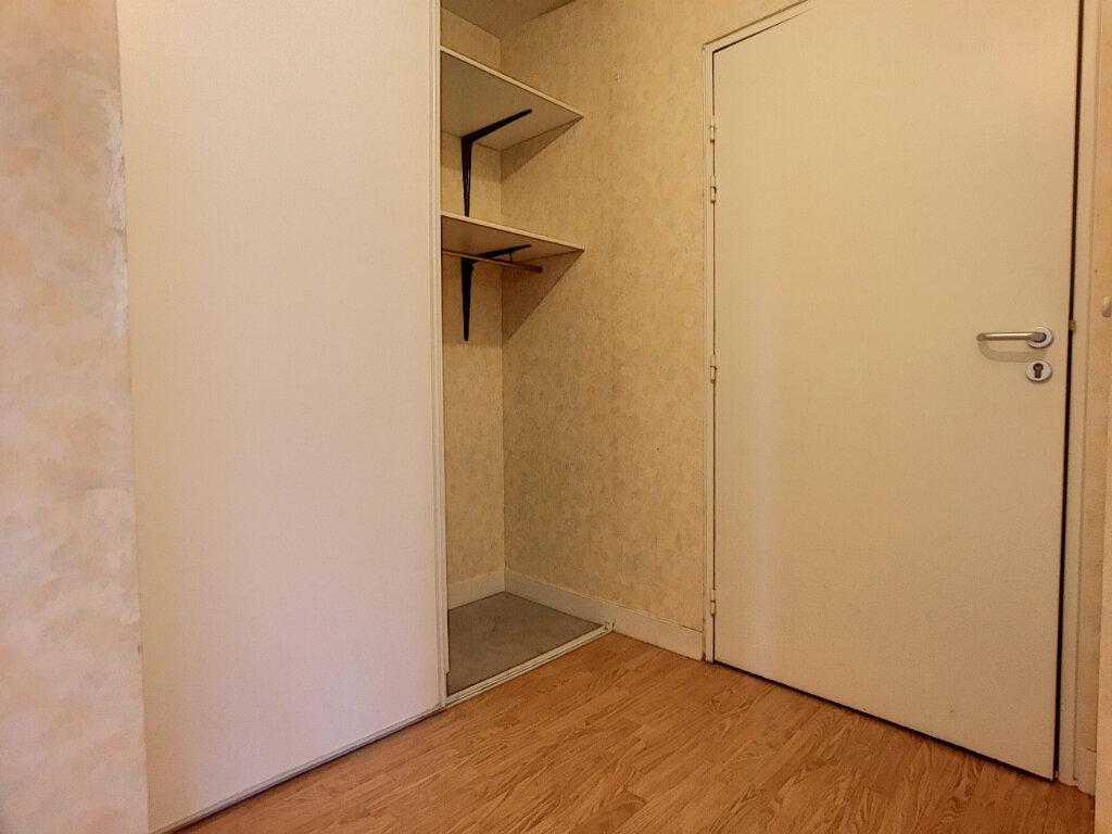 Location Appartement 2 pièces à Saint-Jean-de-Braye - vignette-5