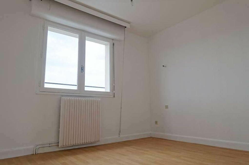Achat Appartement 3 pièces à Orléans - vignette-4