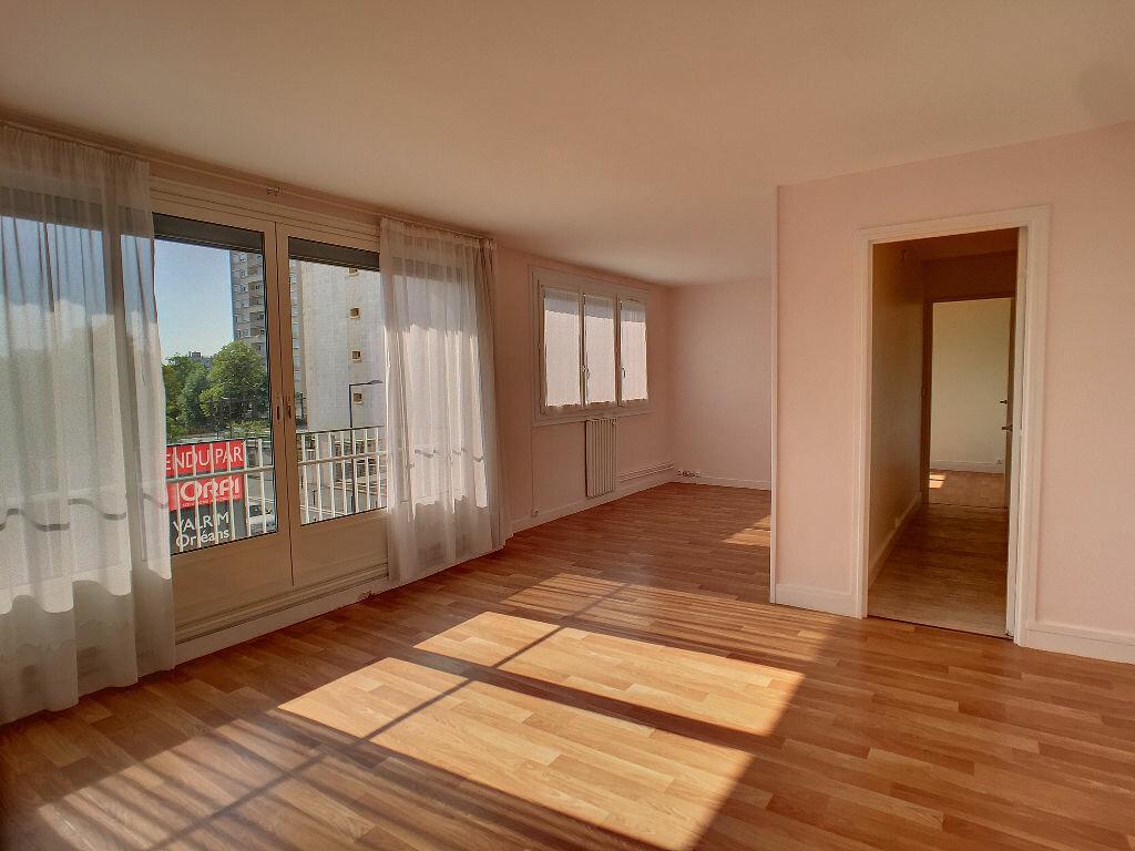 Location Appartement 3 pièces à Orléans - vignette-1