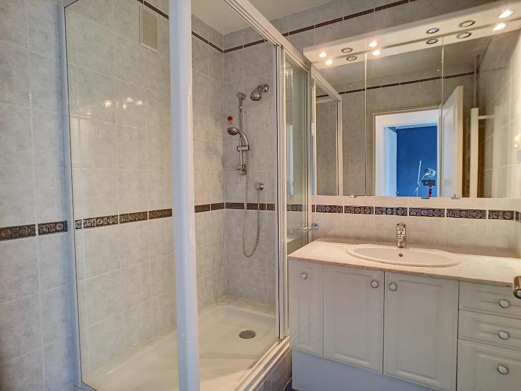 Achat Appartement 4 pièces à Fleury-les-Aubrais - vignette-3