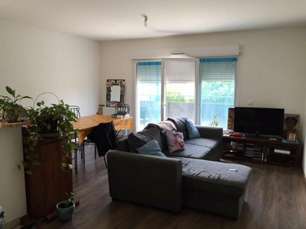 Location Appartement 3 pièces à Saint-Jean-de-la-Ruelle - vignette-1