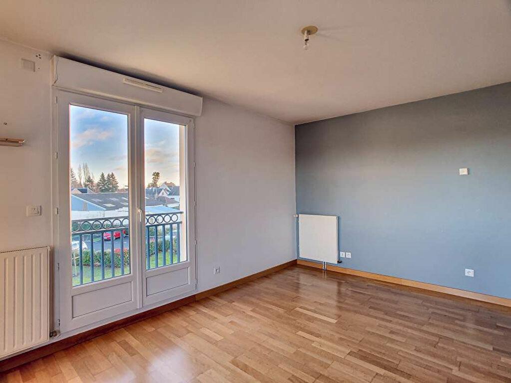 Location Appartement 3 pièces à Saint-Jean-le-Blanc - vignette-2