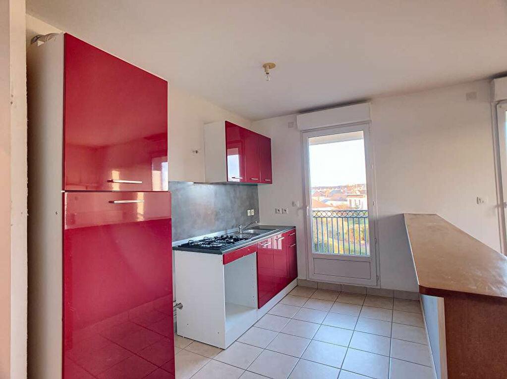 Location Appartement 3 pièces à Saint-Jean-le-Blanc - vignette-3