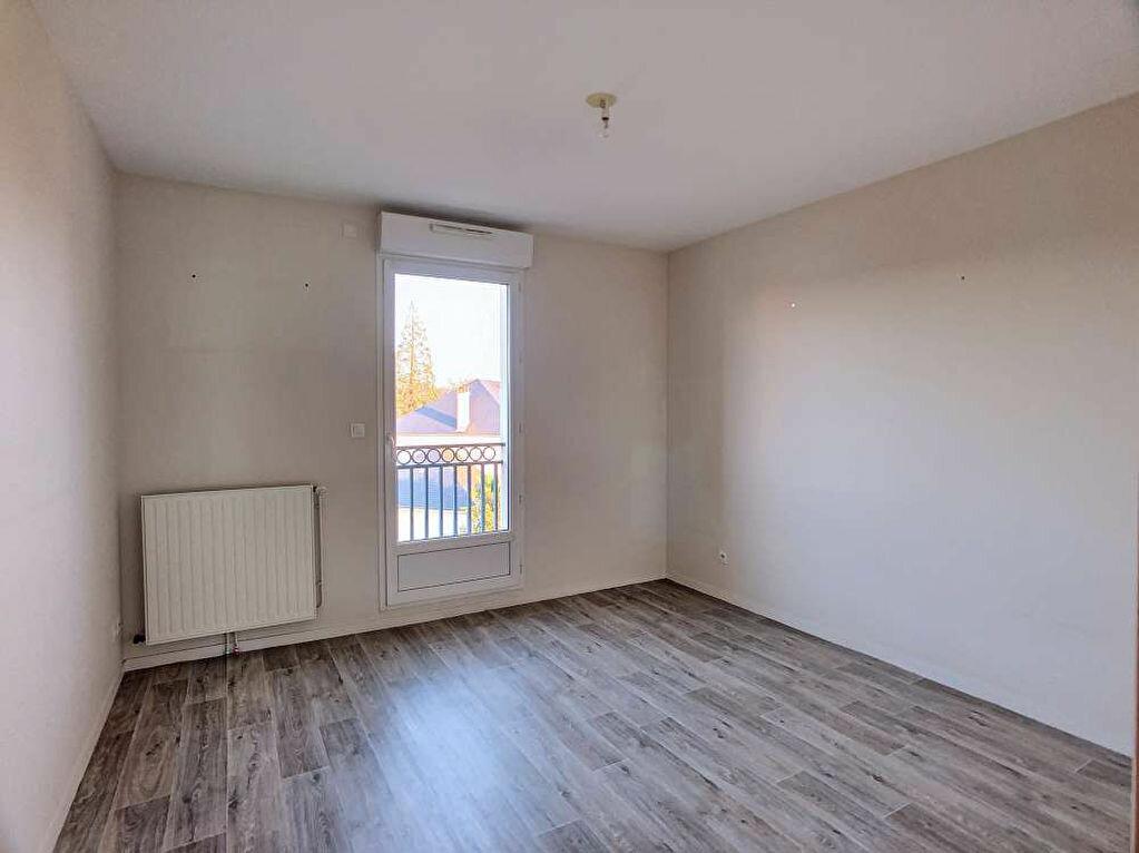 Location Appartement 3 pièces à Saint-Jean-le-Blanc - vignette-5
