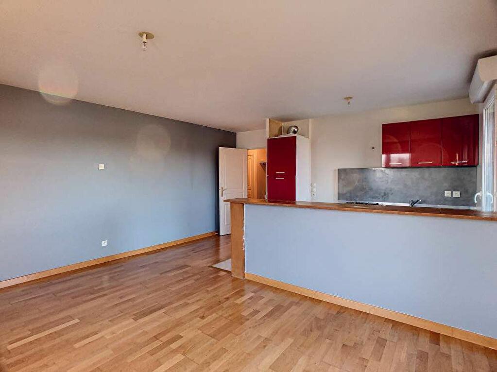 Location Appartement 3 pièces à Saint-Jean-le-Blanc - vignette-6