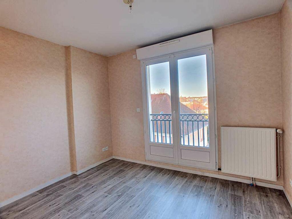 Location Appartement 3 pièces à Saint-Jean-le-Blanc - vignette-11