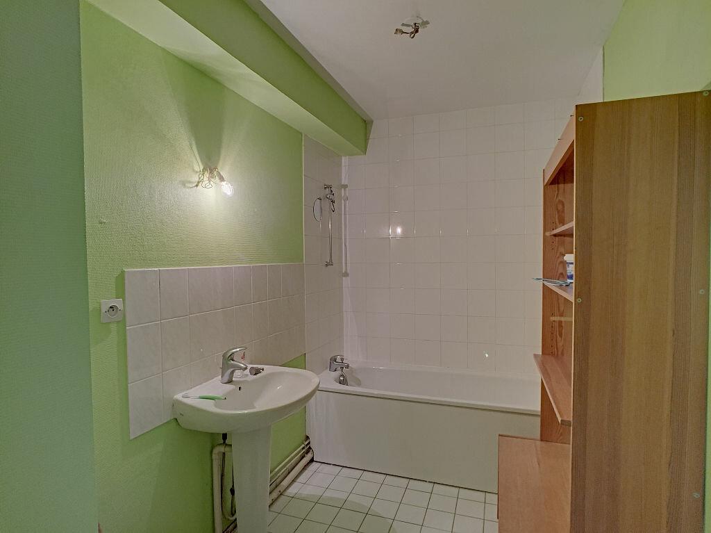 Location Appartement 5 pièces à Fleury-les-Aubrais - vignette-9