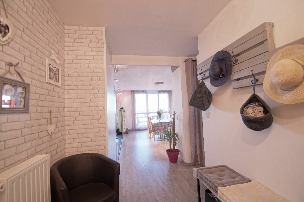 Achat Appartement 5 pièces à La Madeleine - vignette-1