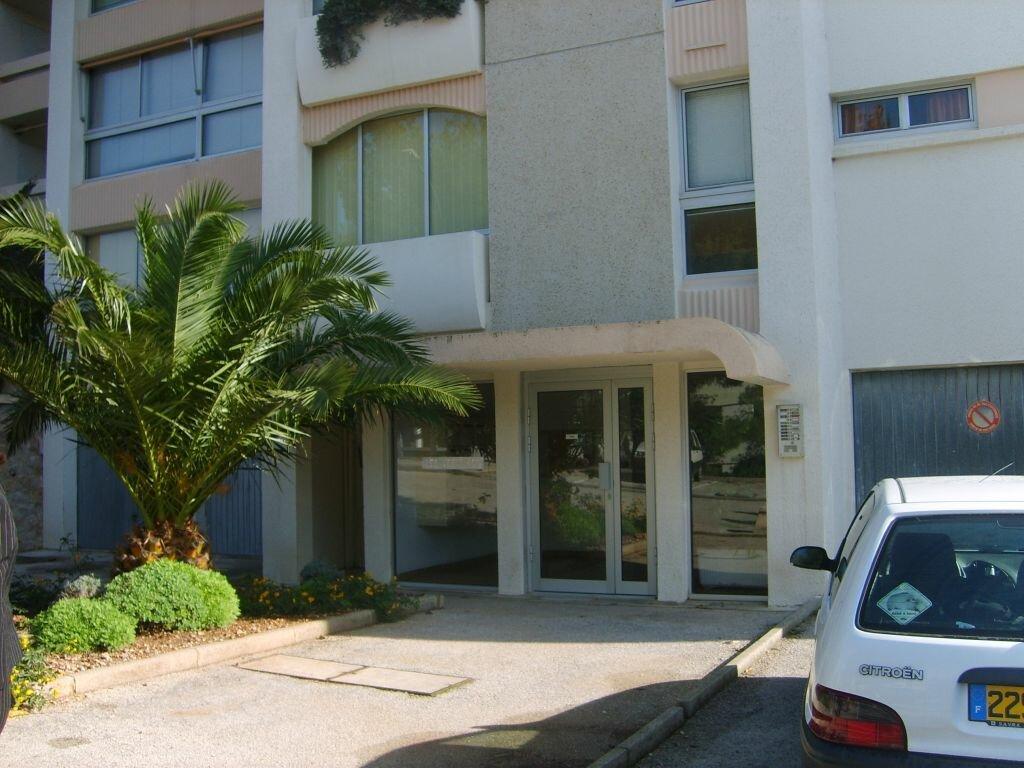 Location Appartement 1 pièce à Saint-Mandrier-sur-Mer - vignette-1