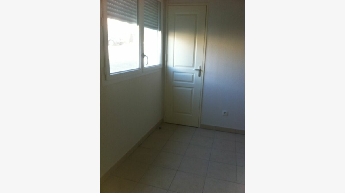 Location Appartement 2 pièces à La Seyne-sur-Mer - vignette-3