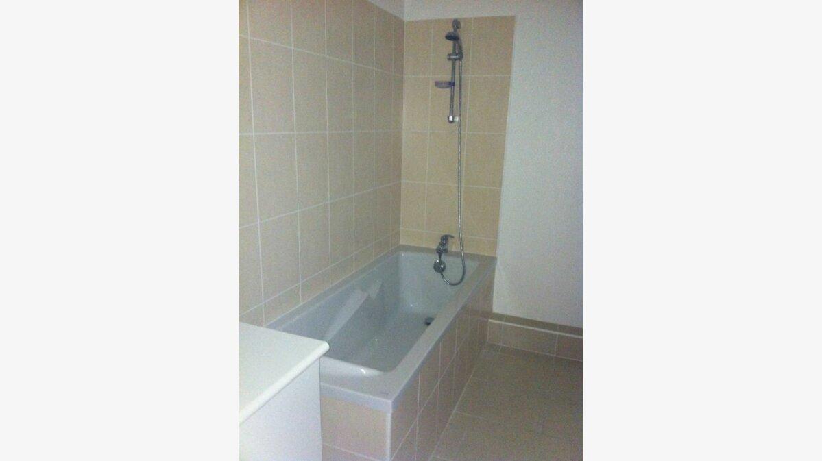 Location Appartement 2 pièces à La Seyne-sur-Mer - vignette-5