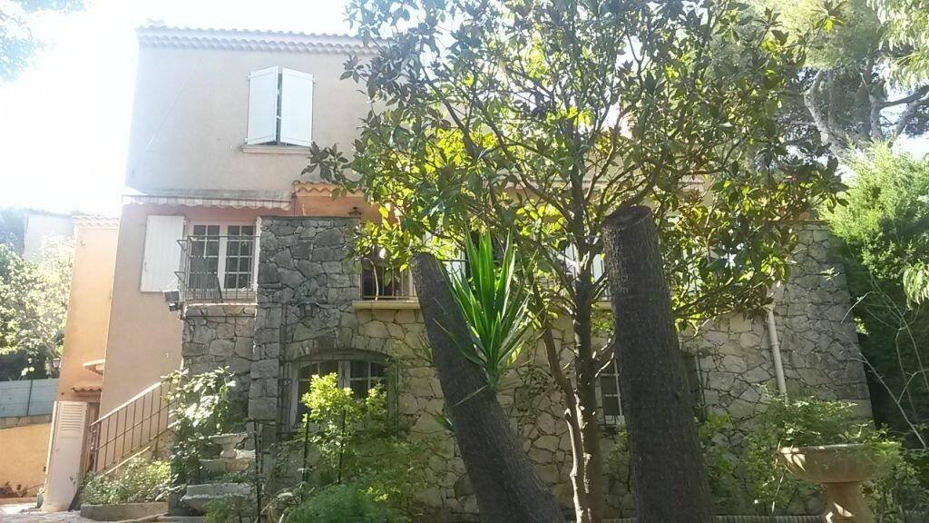 Achat Maison 5 pièces à Saint-Mandrier-sur-Mer - vignette-1