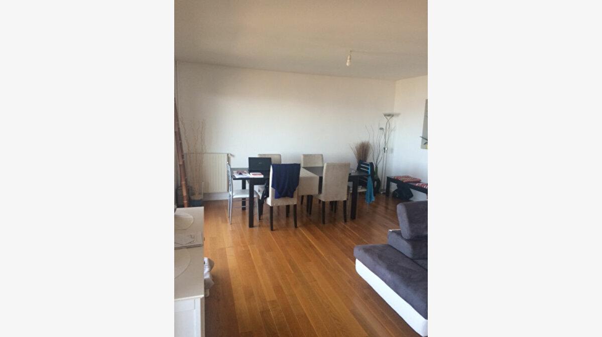 Location Appartement 3 pièces à La Seyne-sur-Mer - vignette-3