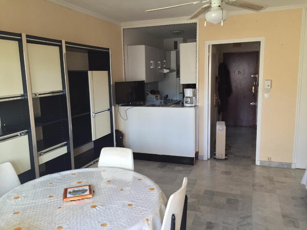 Achat Appartement 1 pièce à Six-Fours-les-Plages - vignette-1