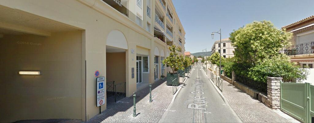 Achat Local d'activité  à Sanary-sur-Mer - vignette-1