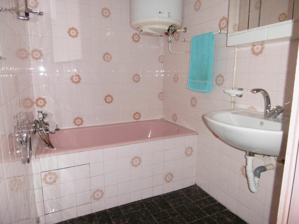 Achat Appartement 4 pièces à Toulon - vignette-5