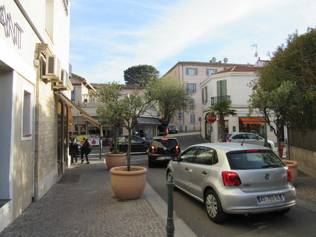 Achat Appartement 3 pièces à Sanary-sur-Mer - vignette-9