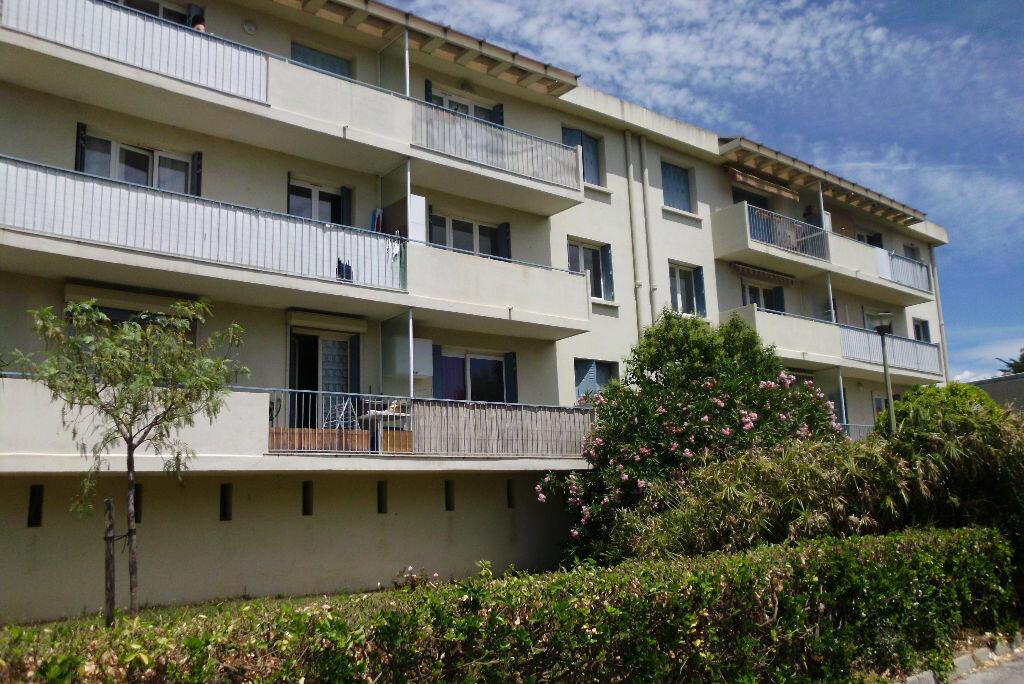 Achat Appartement 4 pièces à Six-Fours-les-Plages - vignette-1