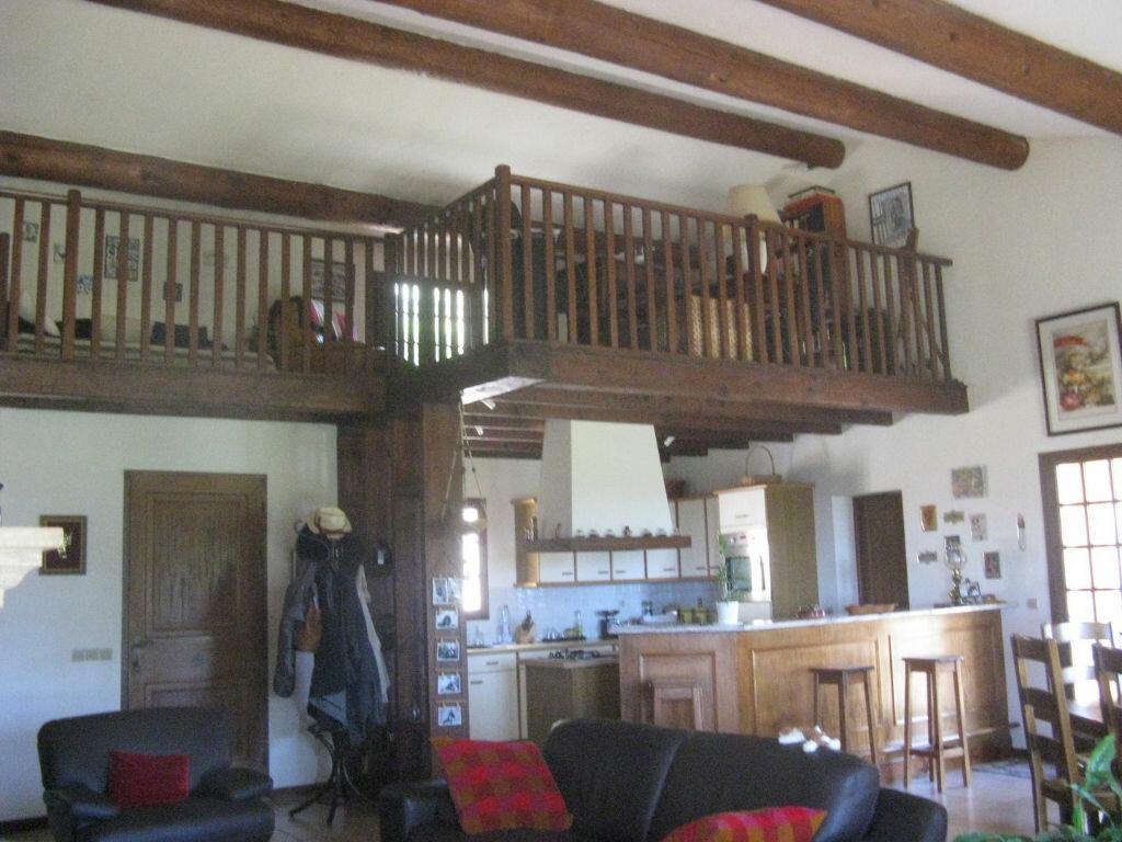 Achat Maison 6 pièces à Sanary-sur-Mer - vignette-6