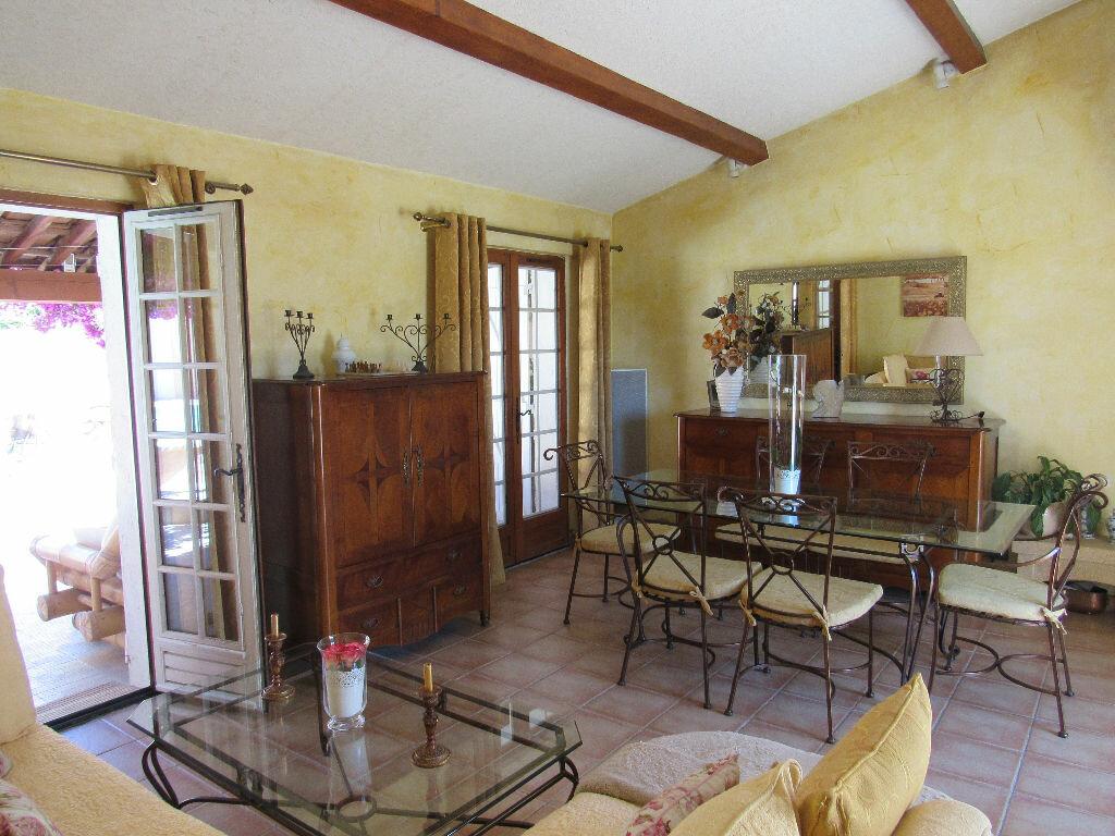 Achat Maison 5 pièces à Sanary-sur-Mer - vignette-4