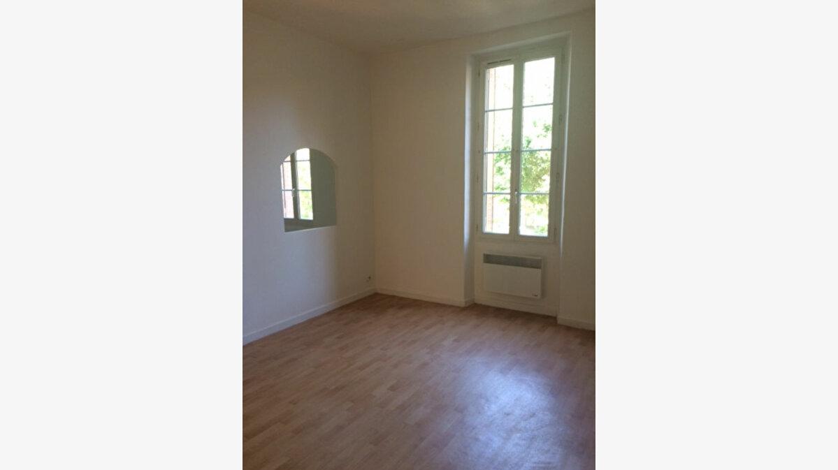 Location Appartement 3 pièces à Toulon - vignette-1