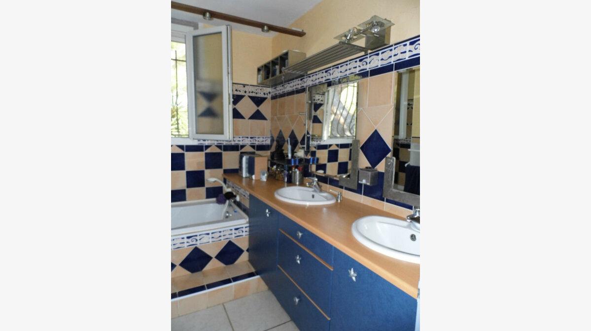 Achat Maison 4 pièces à La Seyne-sur-Mer - vignette-6