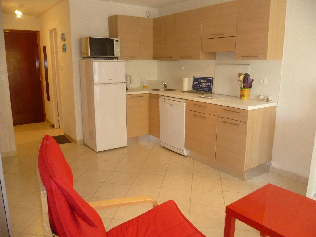 Achat Appartement 1 pièce à Saint-Mandrier-sur-Mer - vignette-3