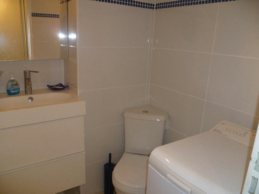 Achat Appartement 1 pièce à Saint-Mandrier-sur-Mer - vignette-6