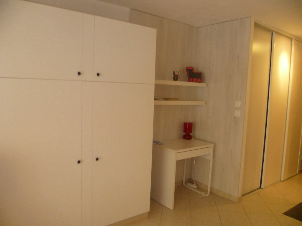 Achat Appartement 1 pièce à Saint-Mandrier-sur-Mer - vignette-9