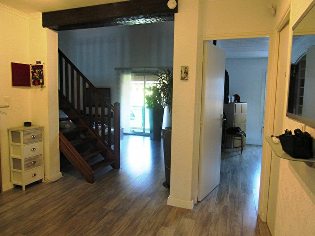 Achat Appartement 4 pièces à Sanary-sur-Mer - vignette-4