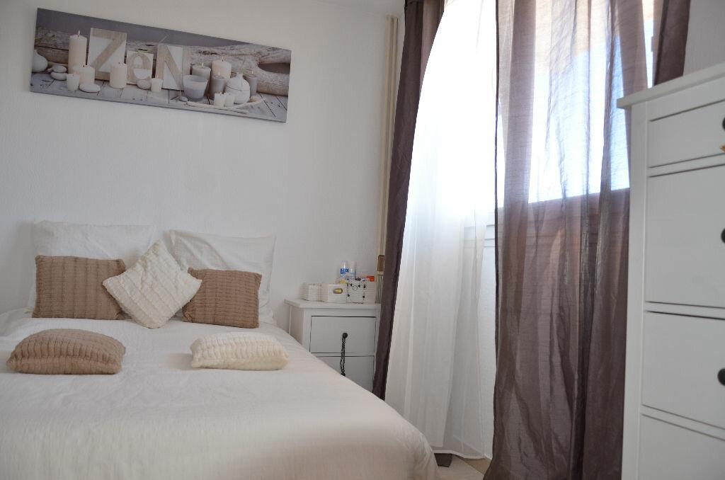 Achat Appartement 4 pièces à La Seyne-sur-Mer - vignette-12